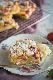 erdbeer rhabarber streuselkuchen rezept gernekochen de
