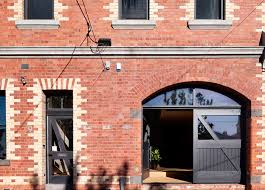 100 Warehouses Melbourne Neglected Brick Warehouse Converted Into A Daylit Home For A Large