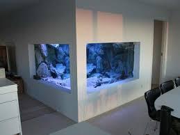 aquarium dans le mur l aquarium mural en 41 images inspirantes