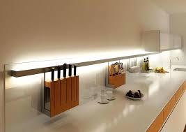 eclairage plan de travail cuisine bande led cuisine eclairage contemporain de la cuisine ruban led