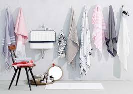 frische handtücher im badezimmer bild 8 schöner wohnen