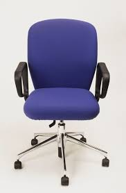 Seat Depth Adjustments On Your Office Chair The Ergonomic Sofa New York Times Office Chair Guide How To Buy A Desk Top 10 Chairs Capisco By Hg Three Best Office Chairs Chicago Tribune 8 Ergonomic Ipdent Aeron Herman Miller Embroidered Extreme Comfort High Back Black Leather Executive Swivel With Flipup Arms 7 Orangebox Flo Headrest Optional Shape Bodybilt 3507 Style Midback White Mesh Mulfunction Adjustable 3 Stretches To Beat Pain Without Getting Up From Your