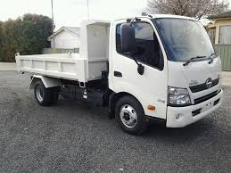 HINO 617 4.5 TONNE GVM CAR LICENCE TIPPER TRUCK | Sydney Machinery Hire