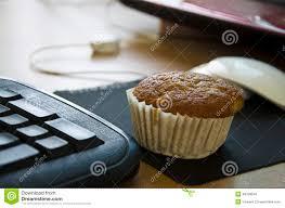 kleine kuchen bei der arbeit stockfoto bild nahrung