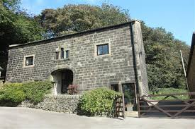 100 Barn Conversion 6 Bedroom Character Property For Sale In