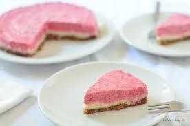 rohkost erdbeer cheesecake