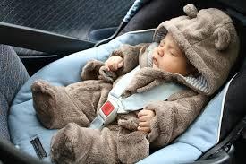 position siege auto baby be sur la route des vacances la sécurité en voiture d abord