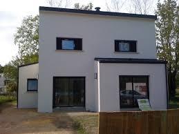 maison en cube moderne maison neuve moderne en cube construite sur le morbihan