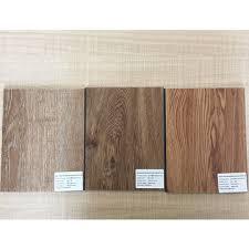 China Wood Looking PVC Plank Flooring Self Adhesive Vinyl Floor Tile