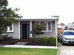 100 Weatherboard House Designs Taupey Green Weatherboard White Trim Bluestone Grey