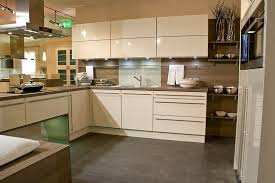 fabricant meuble de cuisine italien cuisine design italienne laque beige marseille bouches du