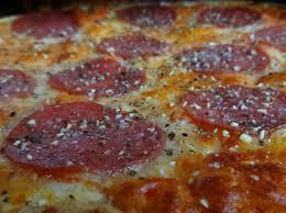 männer kuchen pepperoni pizza cake