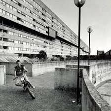 Les Quartiers Residentiels Zen De Palerme Et Corviale De Rome Seront