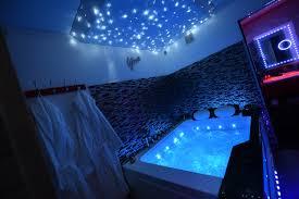 appartement avec une chambre suite romantique spa privatif et à dijon introuvable
