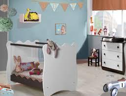 chambre bébé retro décoration pour créer une ambiance vintage et rétro dans la