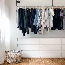 ordnung im kleiderschrank hilfreiche tipps und ideen