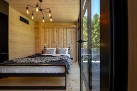 geräte schlafzimmer puristisch einrichten ideen haus
