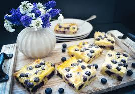 einfacher blechkuchen mit schmand und blaubeeren kochen