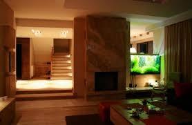 aquarium design raumteiler beleuchtung kamin marmor