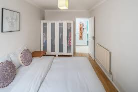 1 Bed Apartment Battersea close to Chelsea London UK Booking