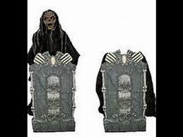 Spirit Halloween Animatronics 2014 by Spirit Halloween Prop Showcase Guardian Of The Grave Youtube
