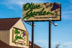 Olive Garden Using Breadsticks in New Menu Item Crostini