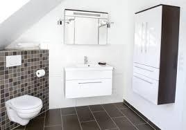 spiegelschrank im badezimmer aufhängen anleitung