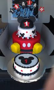 Mickey Mouse Bathroom Decorating Ideas by Best 20 Mickey Mouse Birthday Cake Ideas On Pinterest Mickey