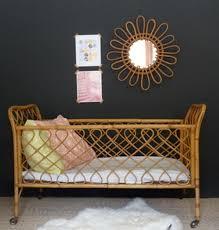 chambre bébé retro lit bébé vintage en rotin brocante meubles vintages rétro