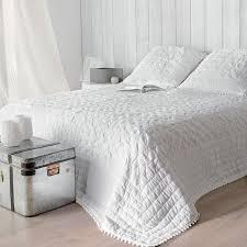 boutis canapé boutis et taies d oreiller 240 x 260 cm emmanuelle blanc