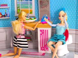 Disney Character Bathroom Sets by Disney Frozen Elsa U0026 Barbie In Barbie Bathroom From Bewitched