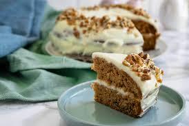 so backst du den perfekten carrot cake mit frischkäse wie