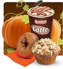 Dunkin Pumpkin Spice Syrup by Pumpkin Lattes Does Starbucks Or Dunkin U0027 Donuts Do Fall Better