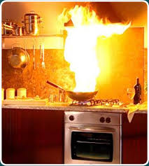 Youve Heard Dont Throw Water On A Grease Fire Theres Reason For This Its Not Subject Of Mythbusters The Stovetop Suddenly Looks Like Scene Out