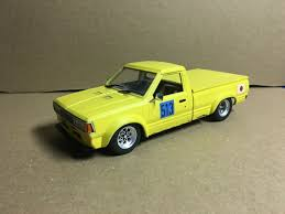 100 Datsun Truck Aoshima 124 720 Custom Built Model