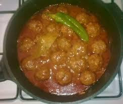 pate a la tunisienne makrouna bel salsa au boulette de viande pates en sauce a la