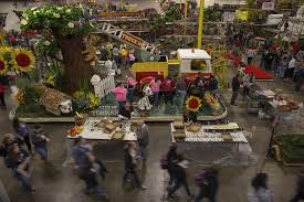 Parade Float Supplies Now by Who U0027s In The Rose Parade Keep Track Of All The Floats Bands And