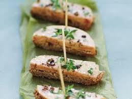 comment cuisiner le foie gras cru foie gras cru fumé aux épices recette sur cuisine actuelle