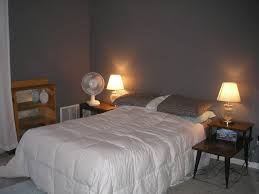 Illustration Of Decorating Beds Without Headboards