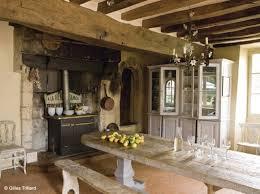 table de cuisine ancienne en bois cuisine cagne cheminee deco cuisine cagne