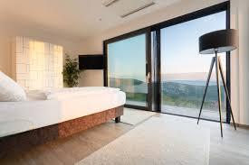 modernes luxus design ferienhaus mit pool in kroatien