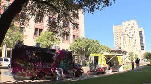 San Antonio City Council Repeals Food Truck 300-foot Rule #ksatnews ...