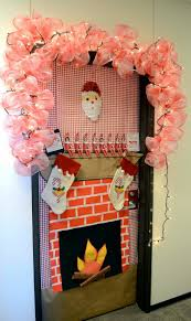 Cubicle Decoration Ideas For Christmas by Cubicle Christmas Decoration Cube Decoration Office Bay