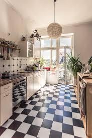 küchentraum in leipzig schwarz weiße fliesen große