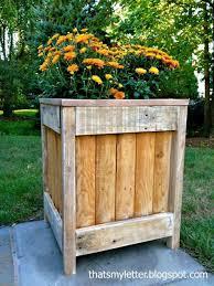 Planter Pallet Garden Box Plans Es For Hedging U S Chic Vegetable Planters Design