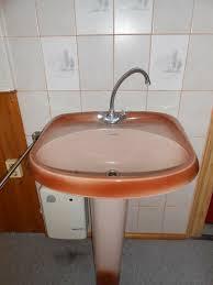 ddr waschbecken mit fuß nostalgisch