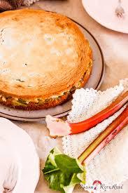 dinkelvollkorn rhabarberkuchen mit honig mandel baiserhaube