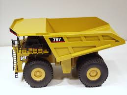CATERPILLAR 797 DUMP Truck - 1/50 - NZG #466 - MIB - $899.95 | PicClick Cat Dump Truck Stock Photos Images Alamy Caterpillar 797 Wikipedia Lightning Load Garagem Hot Wheels Cat 2006 Caterpillar 740 Articulated Dump Truck Youtube 2014 Caterpillar Ct660 For Sale Auction Or Lease Morris Amazoncom Toy State Cstruction Job Site Machines 2008 730 Articulated 13346 Hours Junior Operator Fecaterpillar 777f Croppedjpg Wikimedia Commons Water Cat Course 777 Traing Plumbing Boilmaker Diesel Biggest Dumptruck In The World 797f