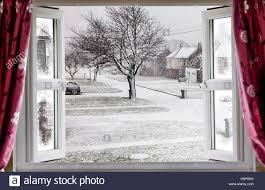 fenster offen winter stockfotos und bilder kaufen alamy