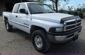 100 Dodge Ram 1500 Trucks 1998 Quad Cab Pickup Truck Item L6070 SOL